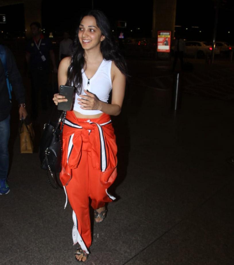 Bollywood Tadkaकियारा आडवाणी इमेज, कियारा आडवाणी फोटो, कियारा आडवाणी पिक्चर