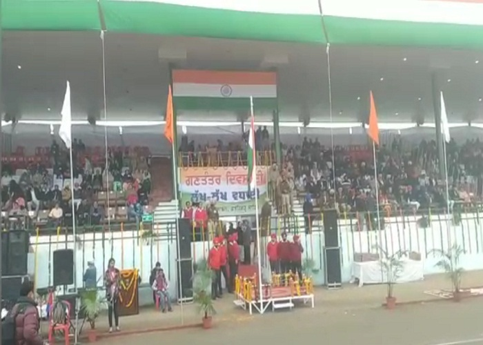 PunjabKesari, Brahma Mahindra insults national flag