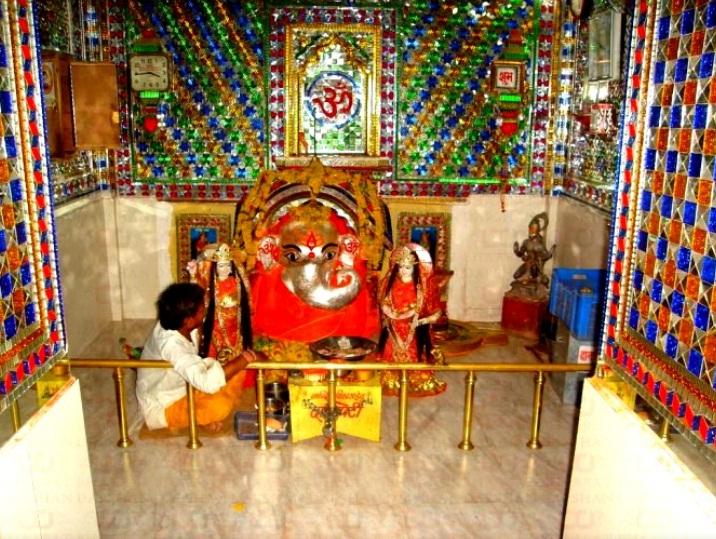PunjabKesari, Swayambhu Ganesh temple in sehore, गणेश मंदिर सीहोर, उल्टा स्वास्तिक, सिद्ध विनायक गणेश मंदिर