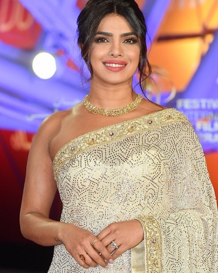 Bollywood Tadka,Priyanka Chopra Jonas images, Priyanka Chopra Jonas photo,Priyanka Chopra Jonas picture
