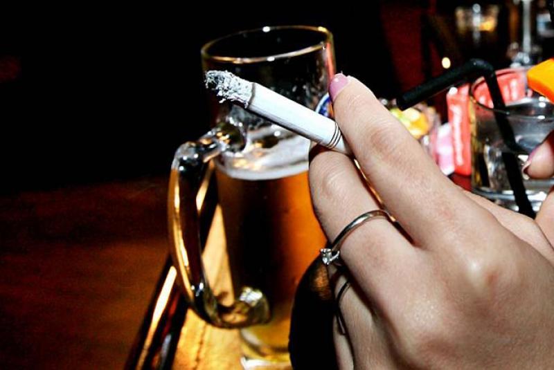 PunjabKesari, शराब, सिगरेट, Alcohol, Cigarette