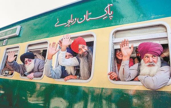 PunjabKesari,Sikh Deovtees,Pakistan