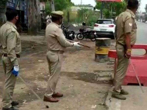 PunjabKesari, Madhya Pradesh, Bhopal, Lockdown 3, fake police personnel, curfew pass, administration, Corona