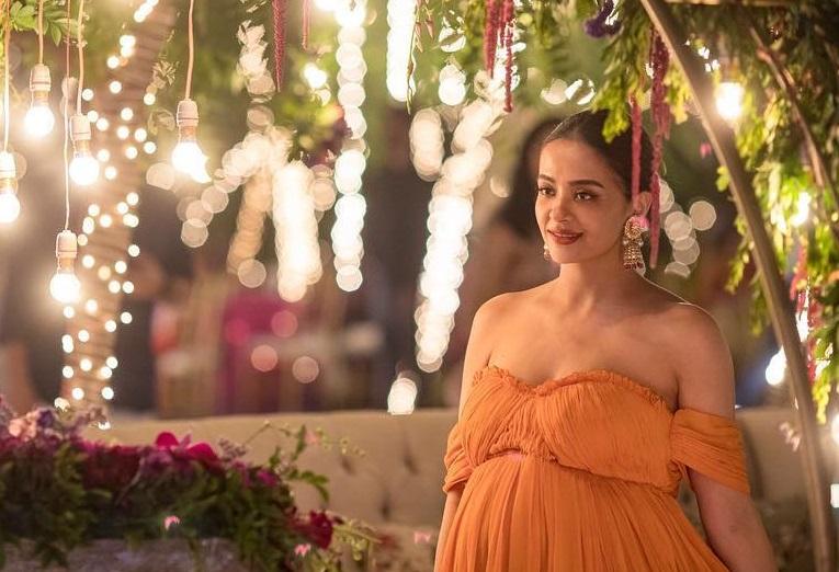 Bollywood Tadka,सुरवीन चावला इमेज, सुरवीन चावला फोटो,सुरवीन चावला पिक्चर
