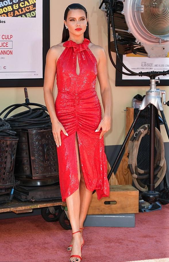 Bollywood Tadka,एड्रियाना लीमा इमेज,एड्रियाना लीमा फोटो,एड्रियाना लीमा पिक्चर