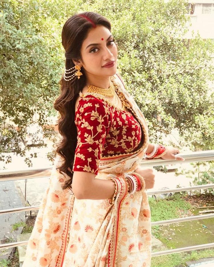 Bollywood Tadka,nusrat jahan image,nusrat jahan photos,nusrat jahan pictures,