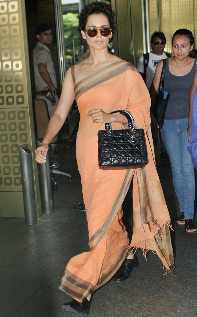 PunjabKesari, kangana ranaut saree Image, nari, kangana wore shoes with saree