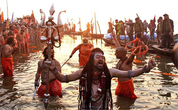 there will be sufficient water to immerse devotees in kumbh mela