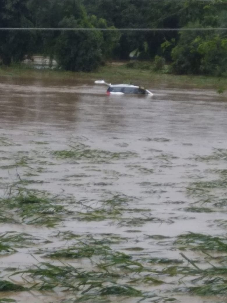 PunjabKesari, Heavy rains, floods, Wainganga, Sehore, Seoni, Bhopal, river, drain, car, children, dead bodies, search continues, rescue, Madhya Pradesh, Punjab Kesari