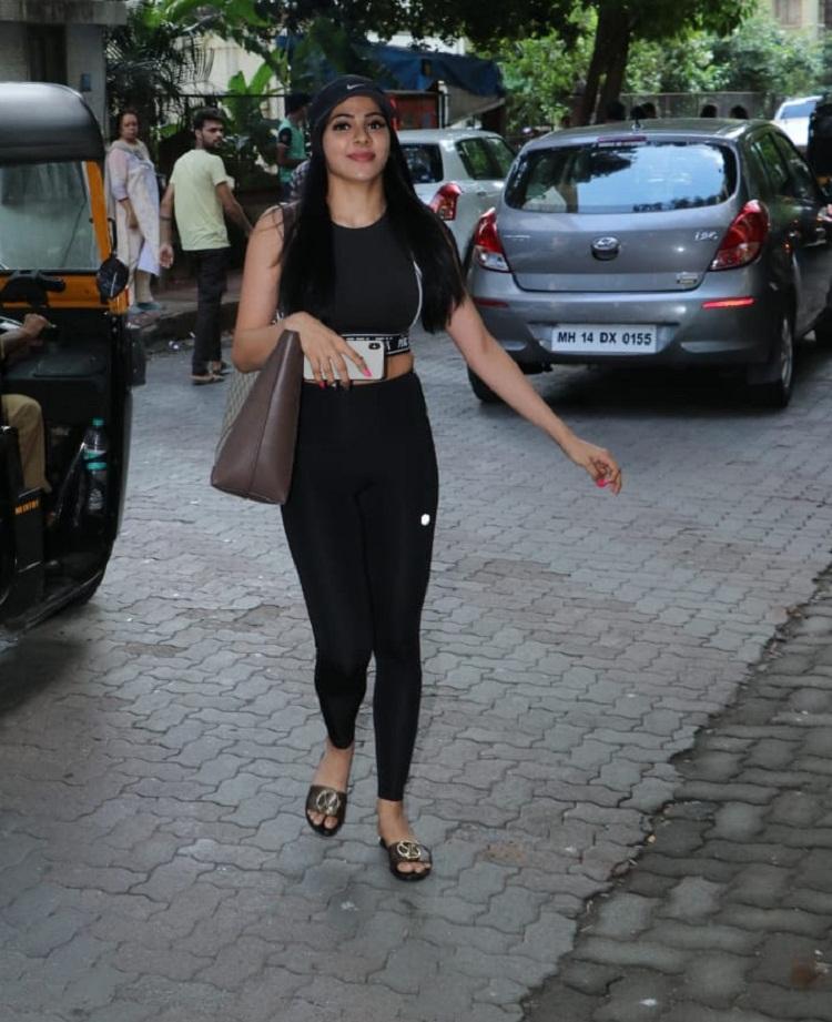 Bollywood Tadka,निक्की तंबोली इमेज,निक्की तंबोली फोटो,निक्की तंबोली पिक्चर