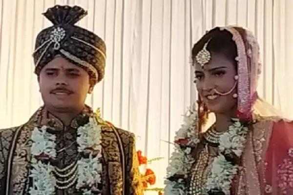 Team india fast bowler Shubh laxmi sharma got married