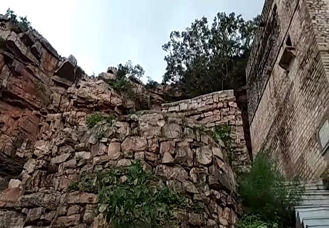 PunjabKesari, Makardhwaj Temple In Gwalior