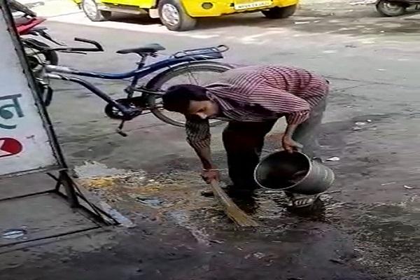 PunjabKesari, Madhya Pradesh, Indore News, Swachhta Abhiyan, Swachh Indore, Corporation commissioner, Action,इंदौर न्यूज,स्वच्छ भारत,स्वच्छ इंदौर,निगम कमिश्नर
