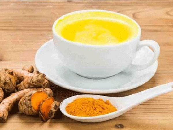 PunjabKesari, Nari, Turmeric Milk image, Homeremedies