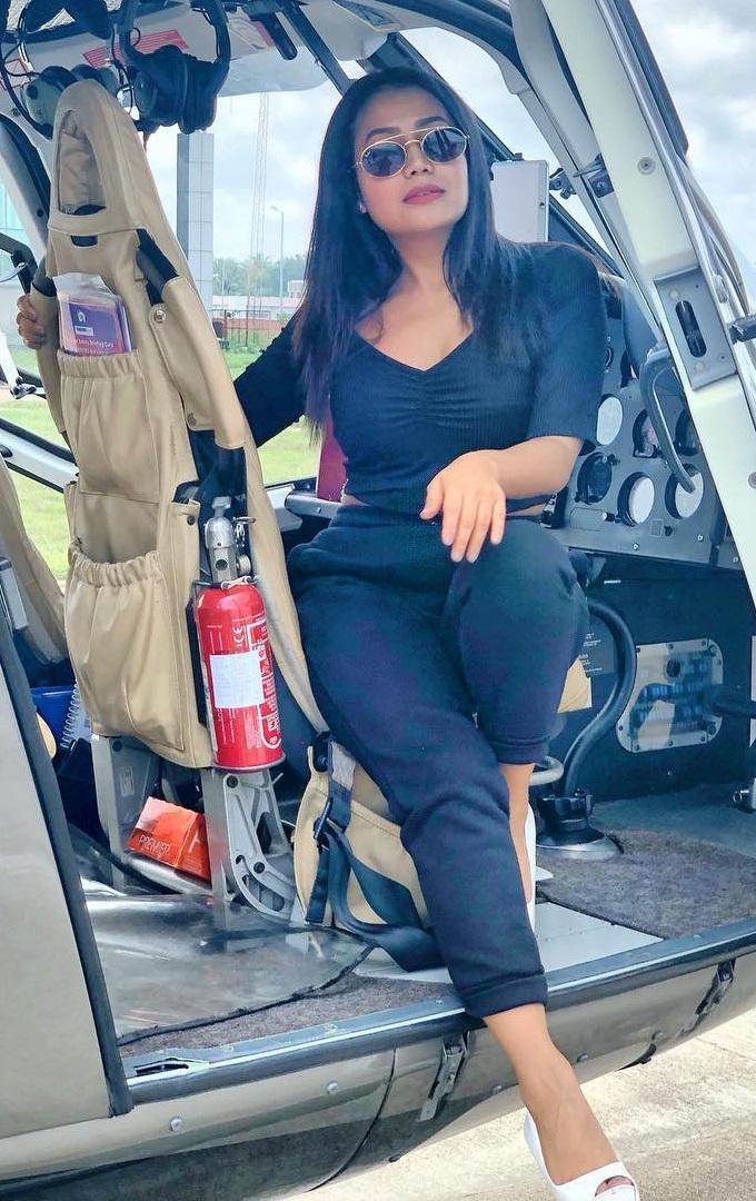 Bollywood Tadka, नेहा कक्कड़ इमेज,नेहा कक्कड़ फोटो, नेहा कक्कड़ पिक्चर