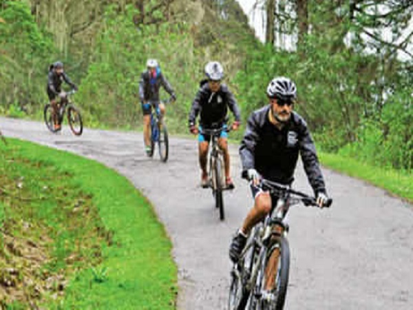 PunjabKesari,Madhya Pardesh Hindi News, Sagar Hindi News, Sagar Hindi Samachar, Rotary Club, Bicycle Travel, Aurangabad to Bhutan