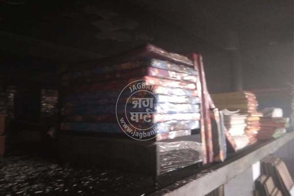 PunjabKesari, Fierce fire at furniture shop in Gurdaspur on Diwali, see photos