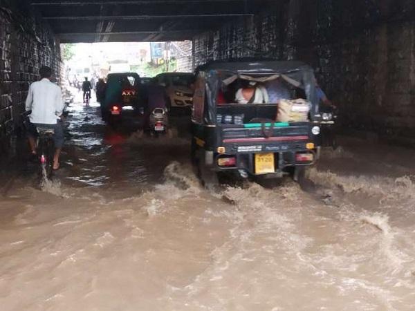 PunjabKesari, Madhya Pradesh, Katni, heavy rains, disordered life, Punjab Kesari