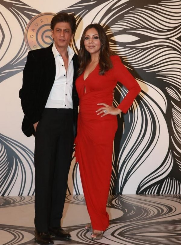 Bollywood Tadka,shahrukh khan images, shahrukh khan photo, shahrukh khan  Pictures, gauri khan images, gauri khan photo, gauri khan pictures