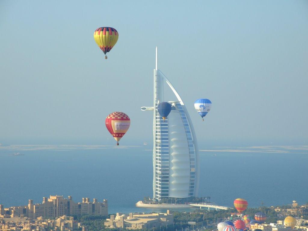 PunjabKesari, Dubai Balloon Safari Image