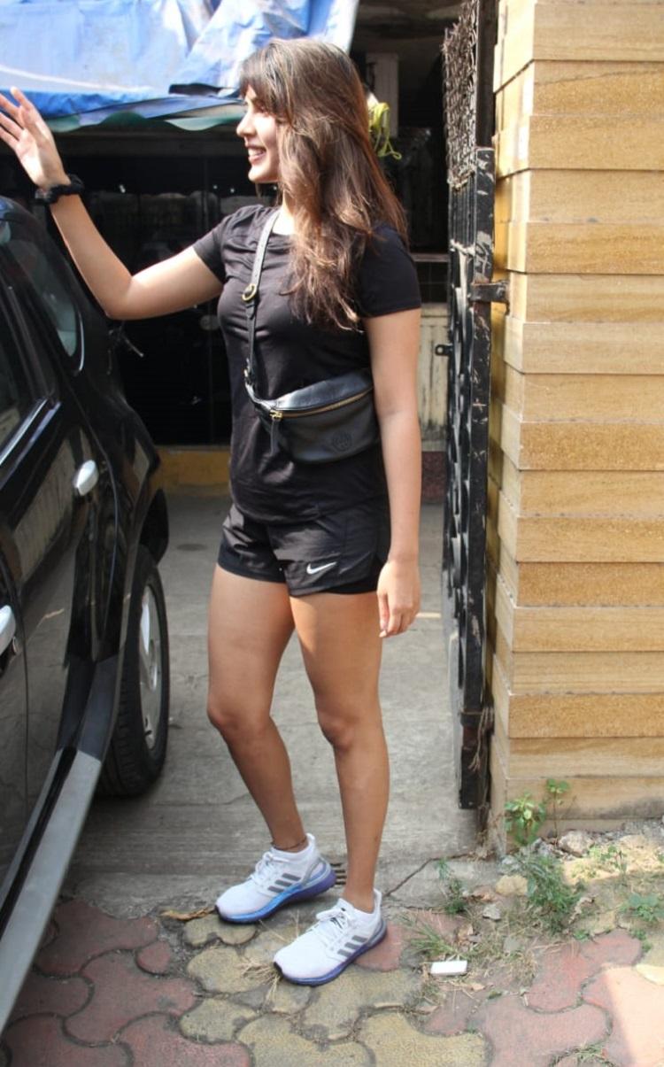 Bollywood Tadka,Rhea Chakraborty image,Rhea Chakraborty photo,Rhea Chakraborty picture,