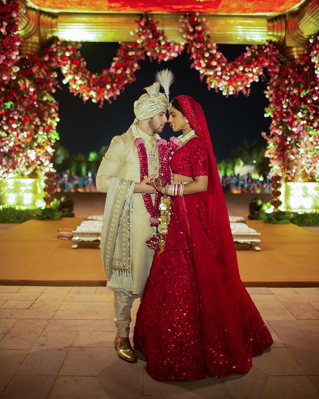 PunjabKesari, Nari, Nickyanka Wedding Image, Priyanka chopra wedding lehenga