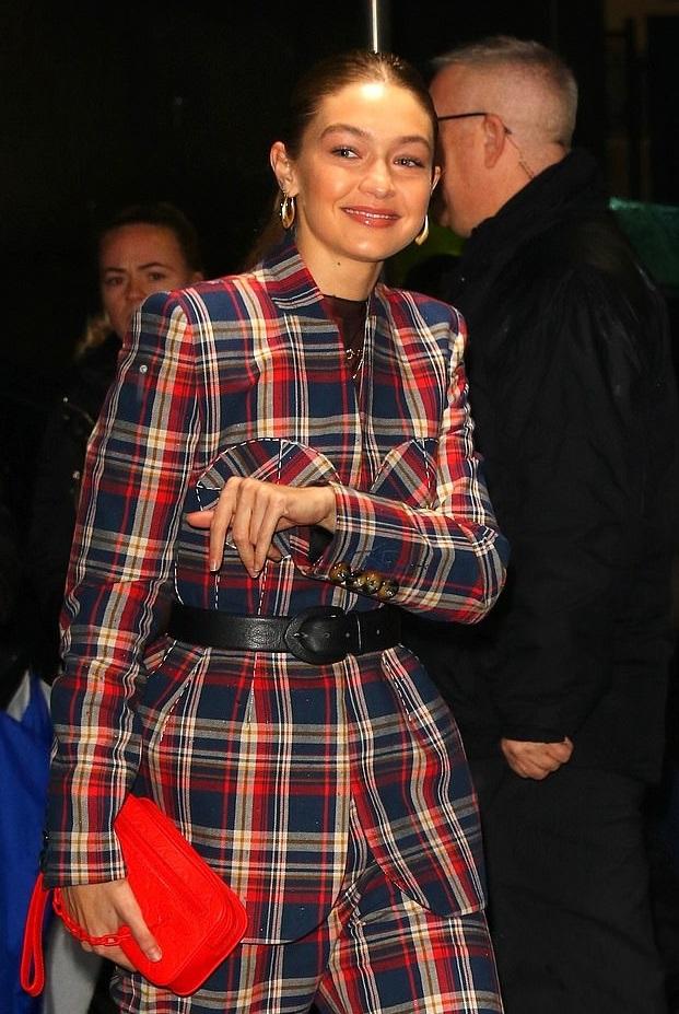 Bollywood Tadka,Gigi Hadid image,Gigi Hadid photo,Gigi Hadid pictures,