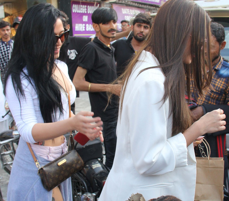 Bollywood Tadkaतारा सुतारिया इमेज, तारा सुतारिया फोटो, तारा सुतारिया पिक्चर, कृष्णा श्रॉफ इमेज, कृष्णा श्रॉफ फोटो, कृष्णा श्रॉफ पिक्चर