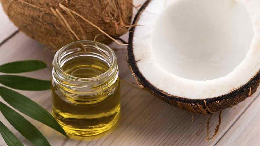 PunjabKesari, coconut oil image, नारियल तेल इमेज