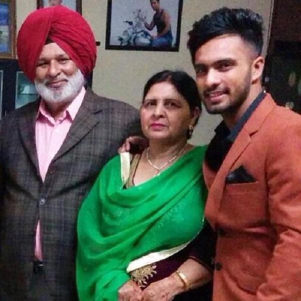 KXIP, Mandeep Singh, Mandeep Father Hardev Singh passes away, किंग्स इलेवन पंजाब, मनदीप सिंह, IPL news in hindi, sports news, Kings XI Punjab, IPL 2020
