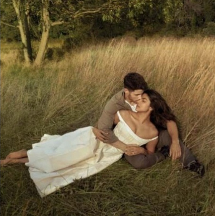 Bollywood Tadka,प्रियंका चोपड़ा image, निक जोनस image, बरेली हाउस image, सजावट image, लाइटिंग image, जश्नimage