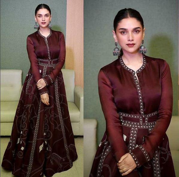 PunjabKesari, Silk and Pearl Jumke Design Image, सिल्वर एंड पर्ल झूमके डिज़ाइन इमेज
