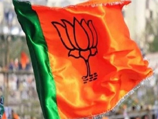 PunjabKesari, Madhya Pradesh News, Bhopal News, BJP leader, Gas Agency, Crime Branch Raid, Irregularities, Action, Joint Action, Food Supplies Department