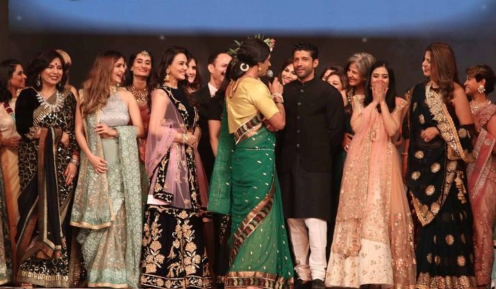 Bollywood Tadka,सुनील ग्रोवर इमेज,सुनील ग्रोवर फोटो,सुनील ग्रोवर पिक्चर,फरहान अख्तर इमेज,फरहान अख्तर फोटो,फरहान अख्तर पिक्चर
