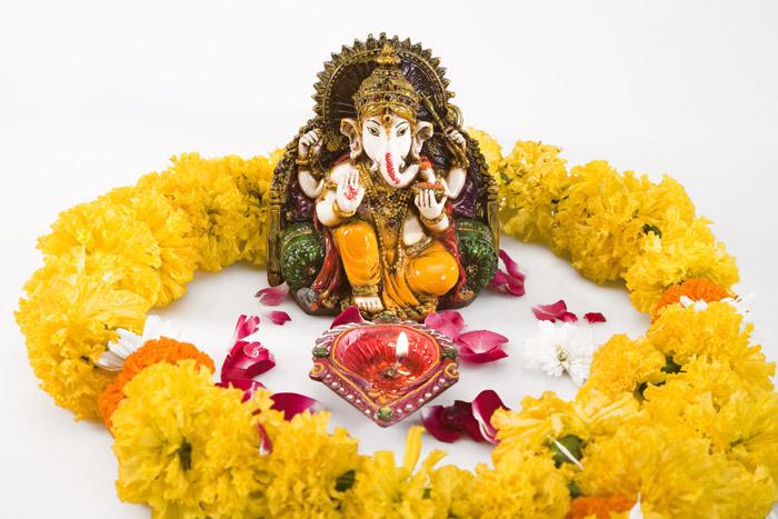 PunjabKesari, Flowers, Flowers in lord feet, भगवान के चरणों में फूल
