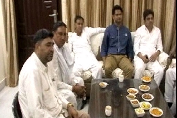PunjabKesari, haryana hindi news, hodal hindi news, loksabha election, election commission, illegal trade, liquor mafia, krishanpal gurjar, avtar badhana