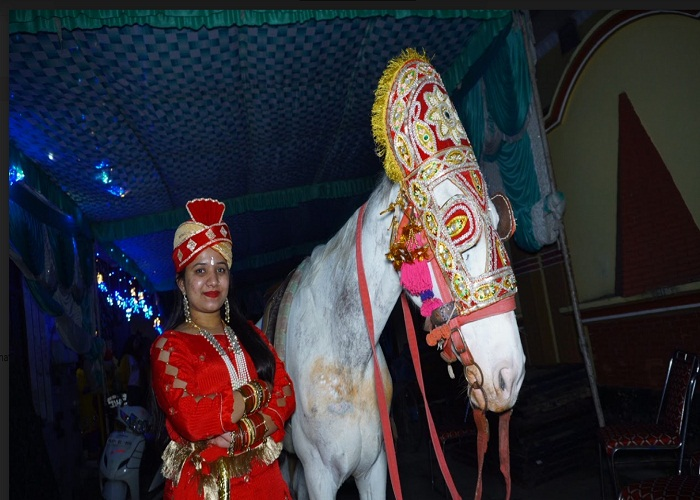 PunjabKesari, bride ride on mare the day before wedding