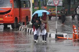 rain and snowfall starts in jammu kashmir