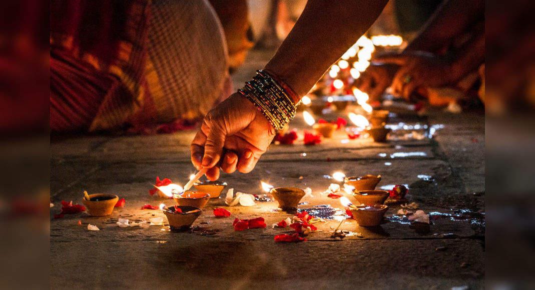 PunjabKesari, kartik purnima, kartik purnima 2020, Dev Deepawali, dev diwali 2020, dev diwali 2020 date in india calendar, dev diwali 2020 india, dev diwali 2020 in hindi, dev diwali 2020 varanasi, dev diwali 2020 tithi, Dev Deepawali 2020, Punjab kesari, Dharm