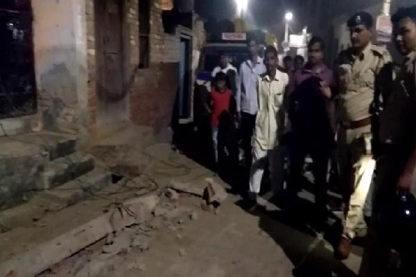 PunjabKesari, strong, thunderstorm, roof, innocent