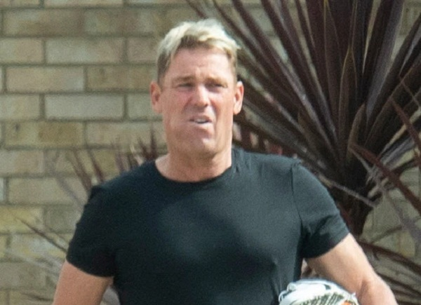 Shane Warne has romp with lover and two sex workers