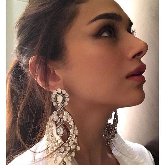 PunjabKesari, Chanky Style Earring Design, चंकी स्टाइल ईयररिंग्स डिज़ाइन
