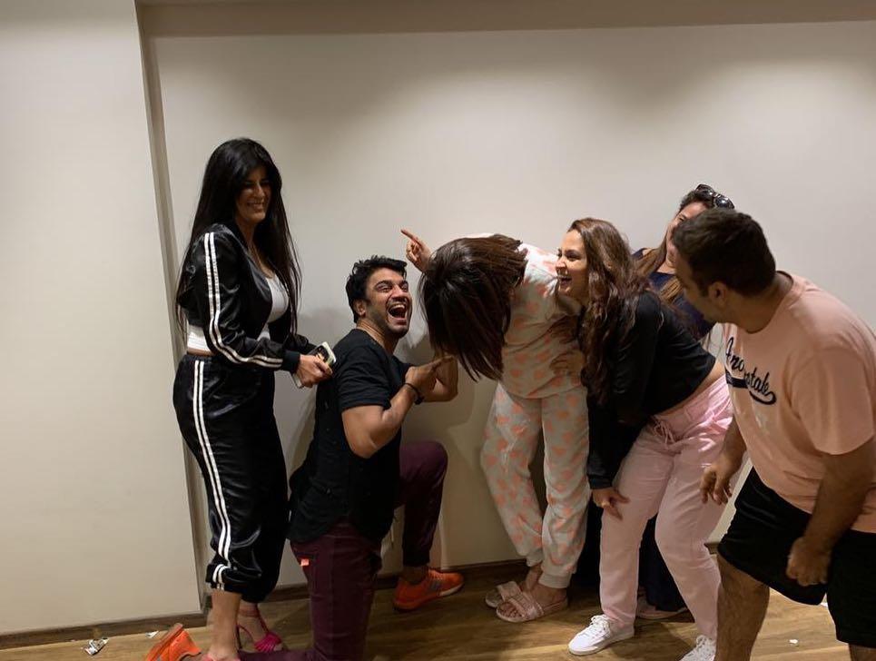 Bollywood Tadka, सुरवीन चावला इमेज, सुरवीन चावला फोटो, सुरवीन चावला पिक्चर