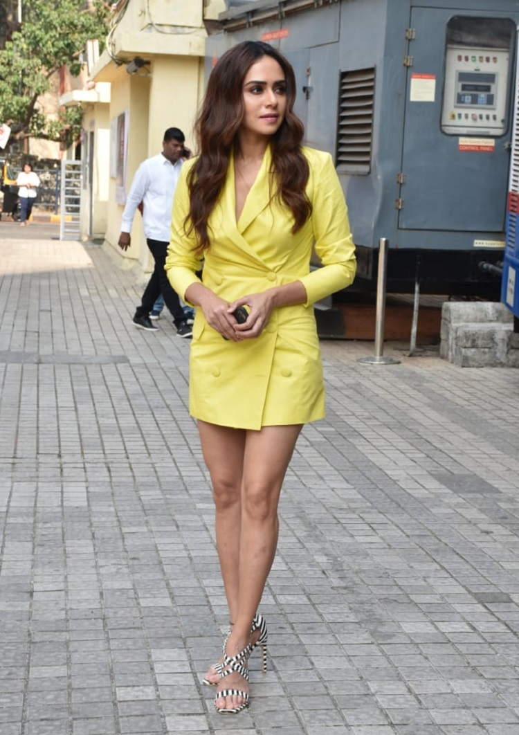 Bollywood Tadka,amruta khanvilkar image, amruta khanvilkar photos, amruta khanvilkar pictures