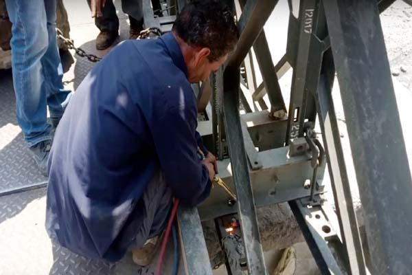 PunjabKesari, Repairing Work Image