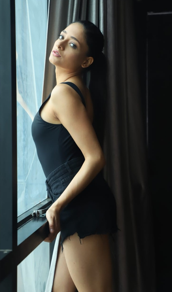 Bollywood Tadka,यानेया भारद्वाज इमेज,यानेया भारद्वाज फोटो,यानेया भारद्वाज पिक्चर,