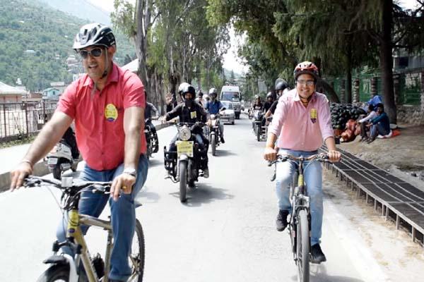 PunjabKesari, Bike Rally Image