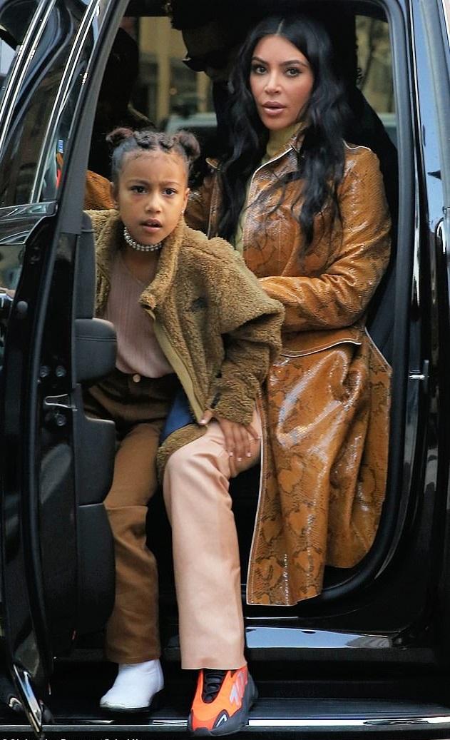 Bollywood Tadka,Kim Kardashian image, Kim Kardashian photo, Kim Kardashian pictures,