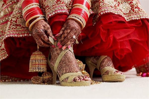 स्टाइल के साथ कम्फर्ट, देखिए समर के लिए परफेक्ट Bridal Footwear