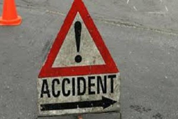 PunjabKesari, Madhya Pardesh Hindi News, Latest News, Narsinhpur Hindi News, Narsinhpur Hindi Samachar, Road Accident, Truck, Car, ! Died